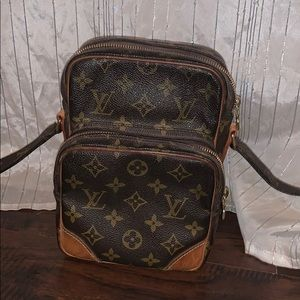 Louis Vuitton Monogram Canvas Leather Cross Body